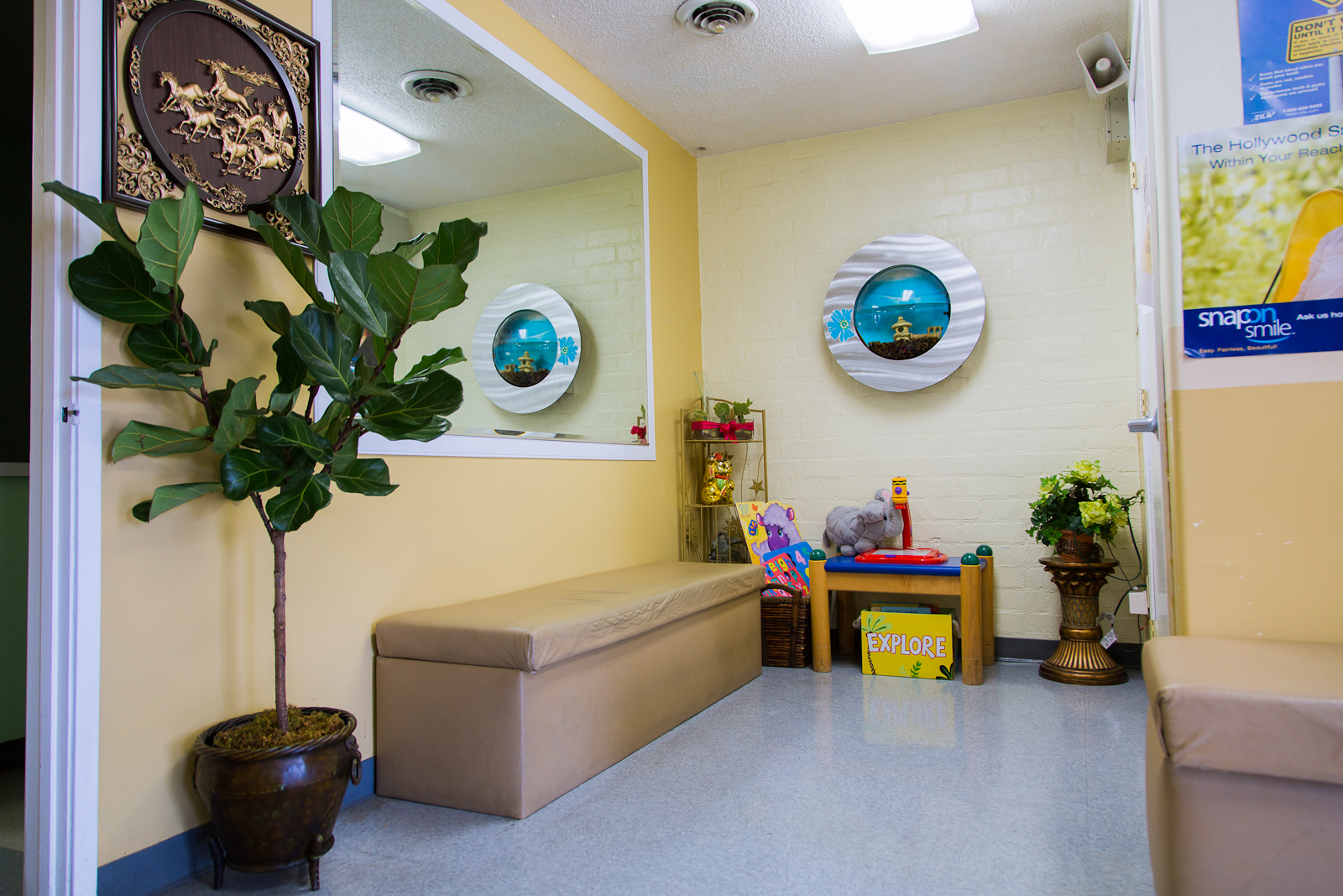 Waiting Room/Kids Play area